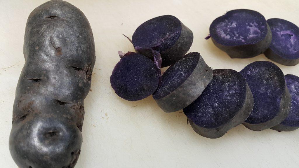 лилави картофи